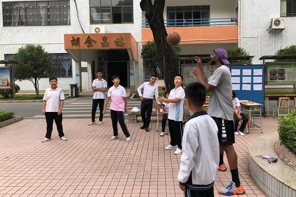 野球江湖的乡村中国:五金、电子、塑胶业球队和他们的明星外援