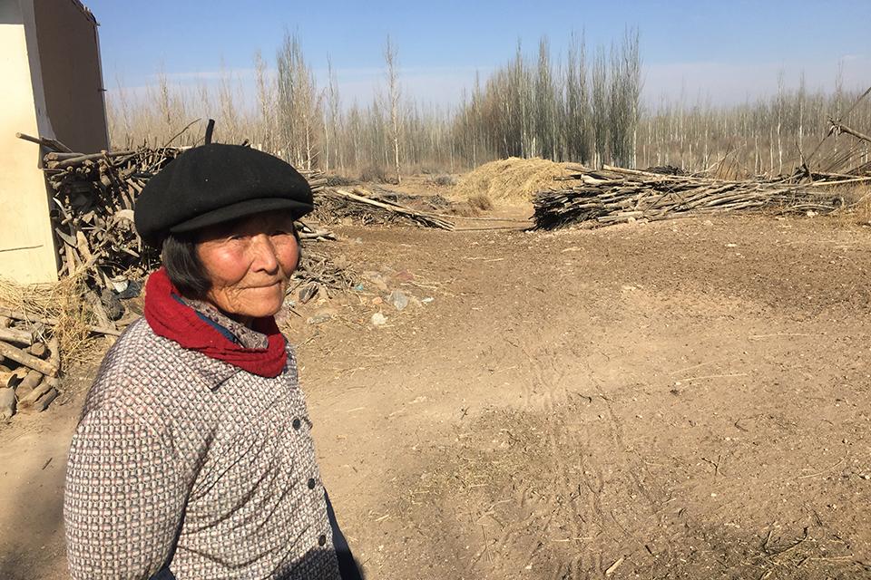 """騰格里沙漠污染事件背后:一直沒""""消停""""的志愿者"""
