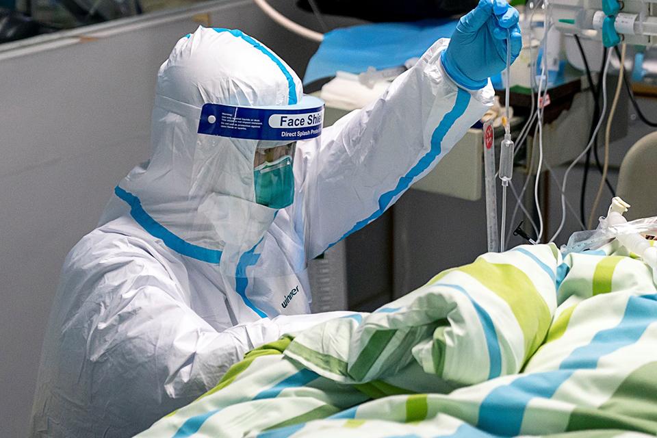 """肺炎疫情亟需心理干预:""""处理恐慌也是重大任务"""""""