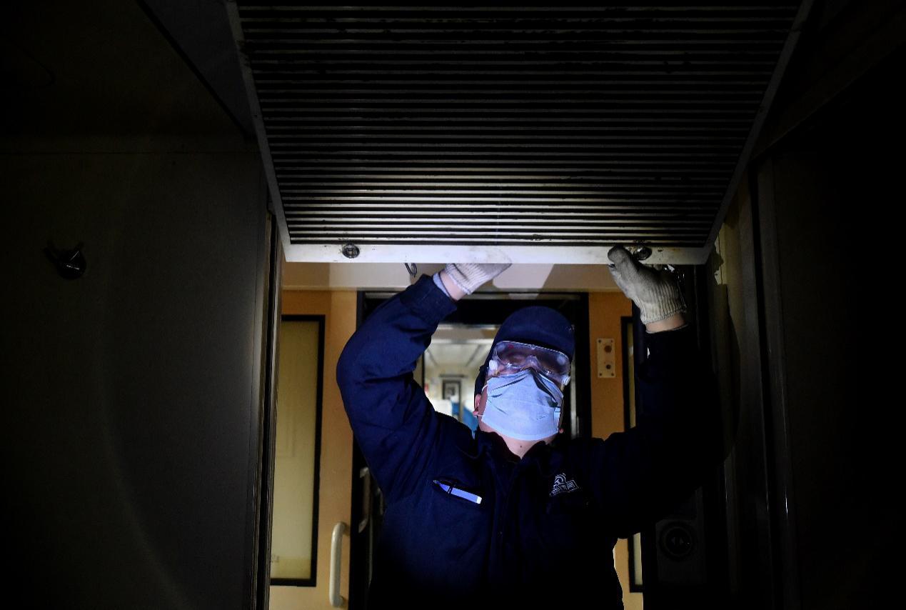 通風!開放空間下,氣溶膠傳播病毒感染健康人的概率可忽略不計
