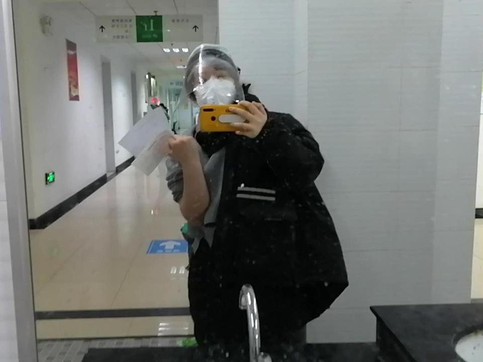 回武漢第二天封城、發燒,一個青年導演的自救口述