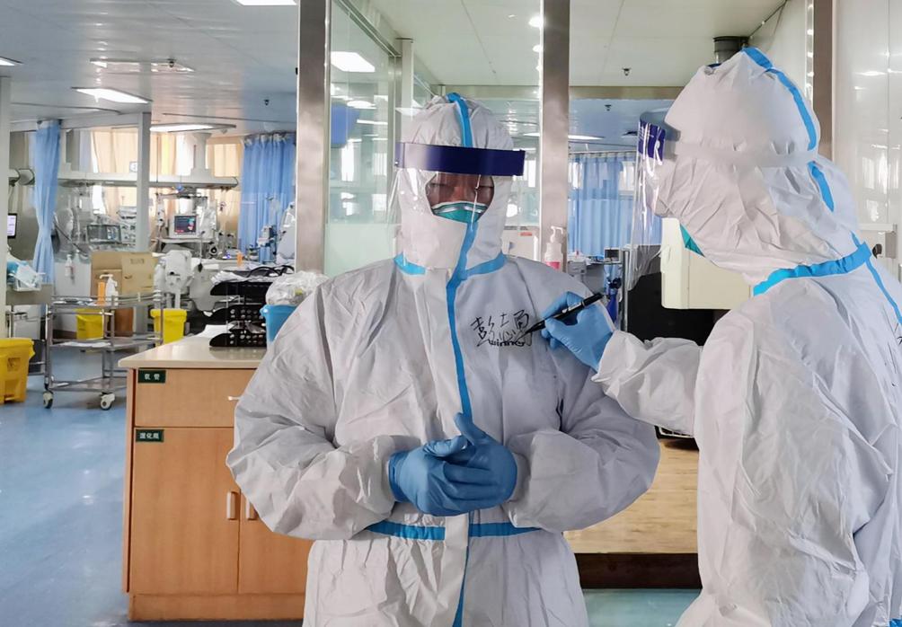 是什么導致千名醫務人員被感染?