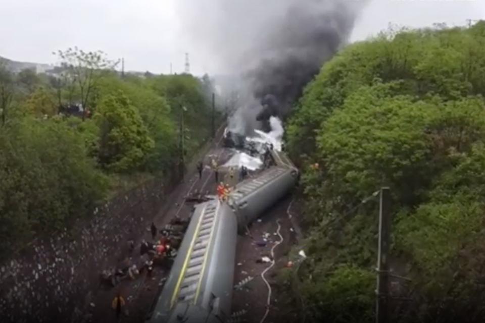 T179次列车侧翻一乘警殉职:塌方何时发生?