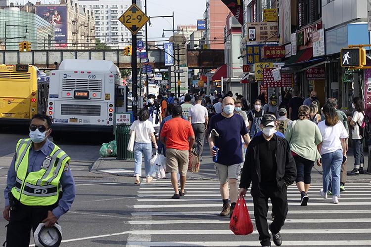 纽约重启:华人和他们经历的生死百日