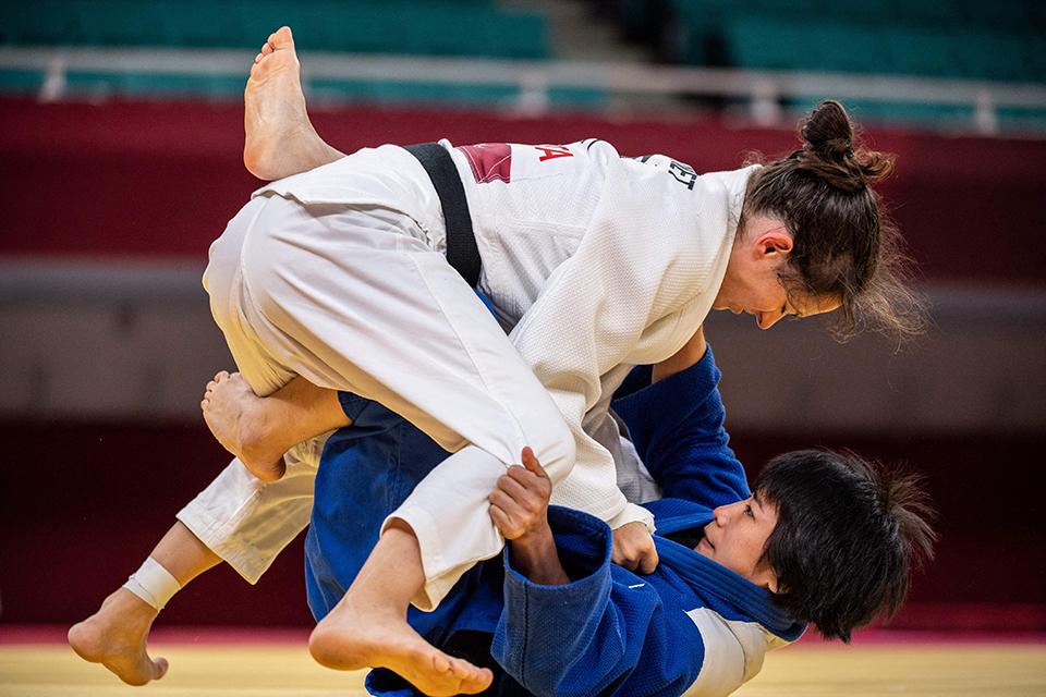 卫冕冠军梦碎东京,一位盲人柔道姑娘的生命赛场