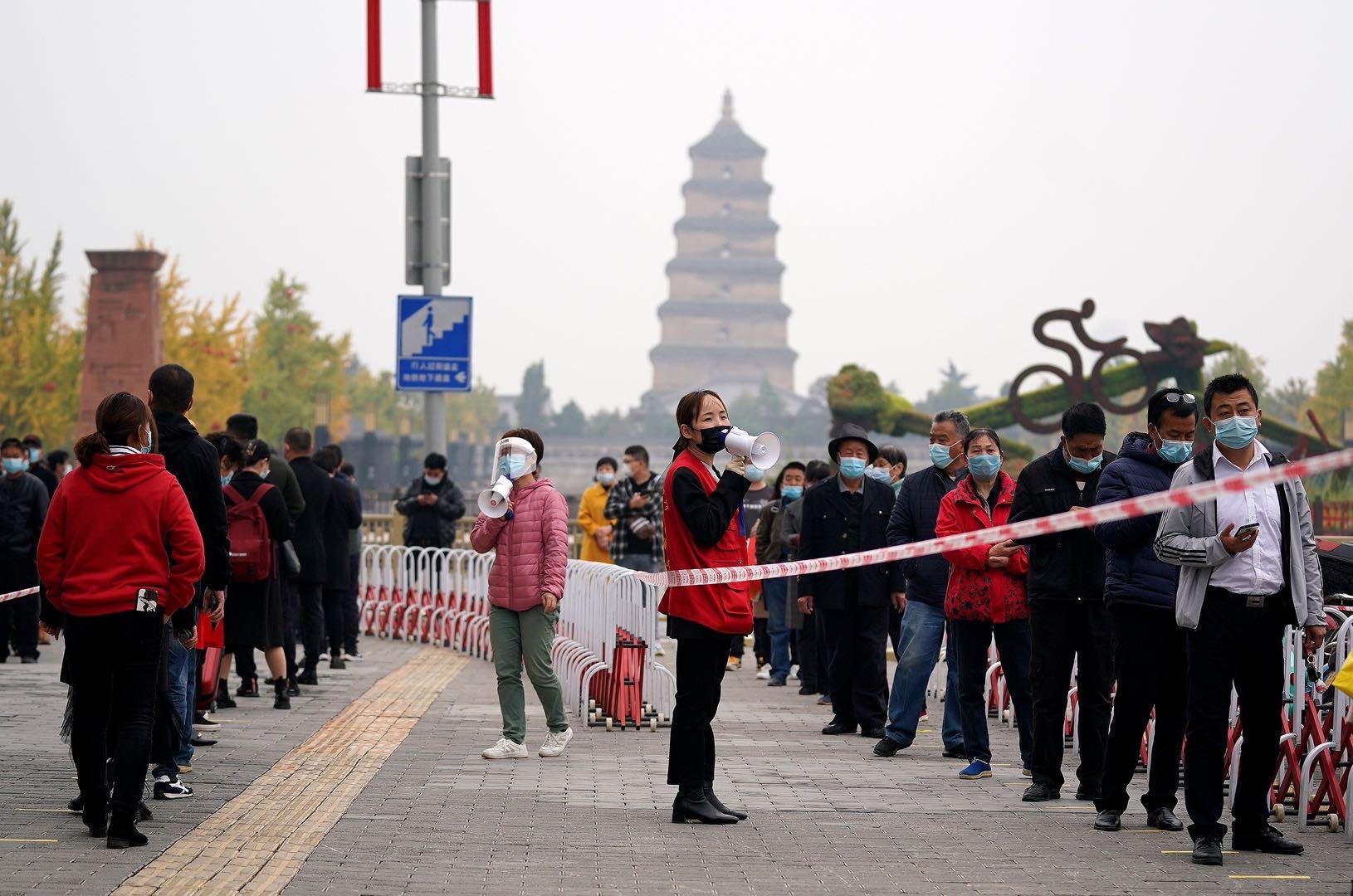 """""""老年旅行團""""疫情波及7省,西北邊境嚴防輸入"""