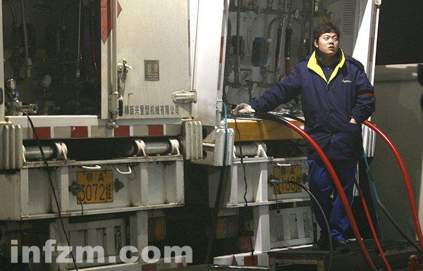 武汉市出租车恢复天然气供应1
