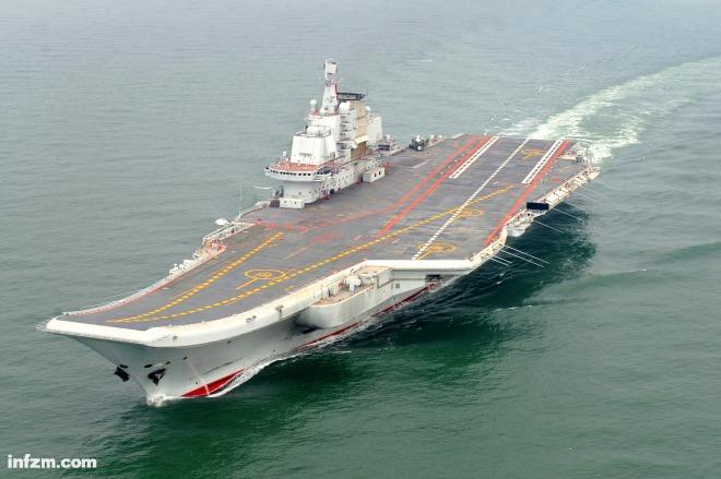 """012年5月,中国海军我国第一艘航空母舰""""辽宁舰""""正在进行试航."""