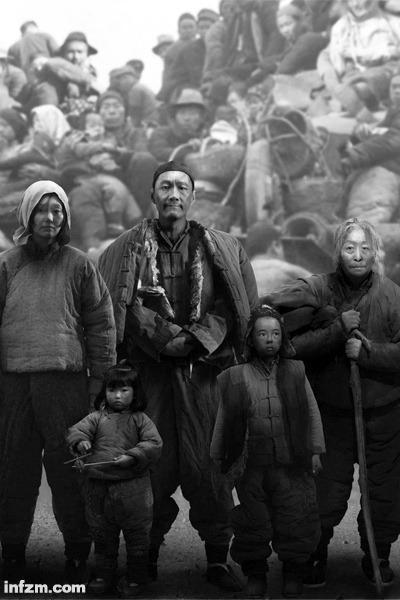 《一九四二》剧照.编剧刘震云研究1942年河南大饥荒时,发现中国灾