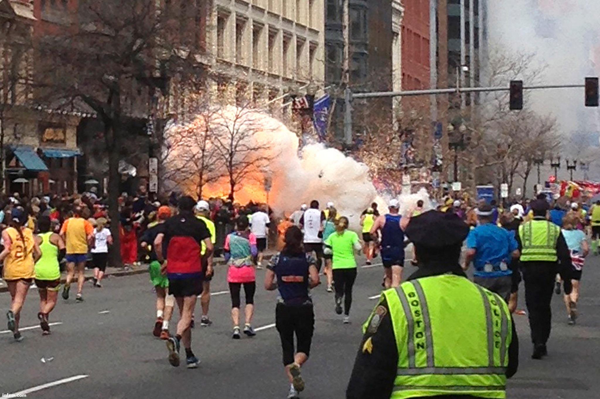 配图-波士顿发生爆炸恐怖袭击3人死亡