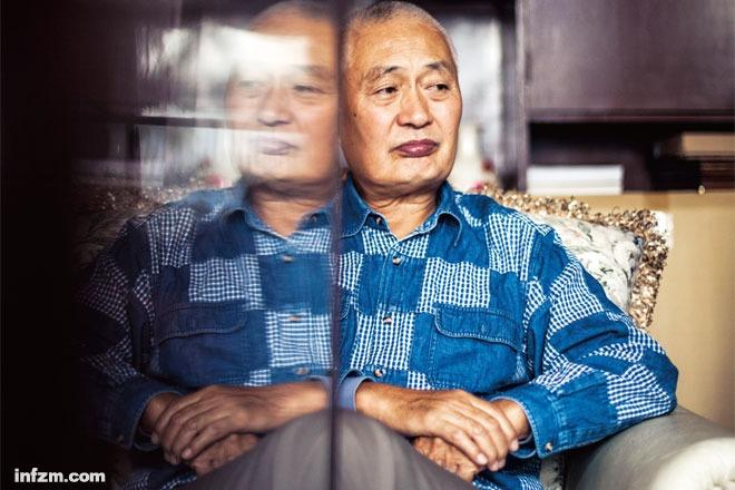 24横图-陈小鲁:不能忘记辉煌,也不能忘记黑暗