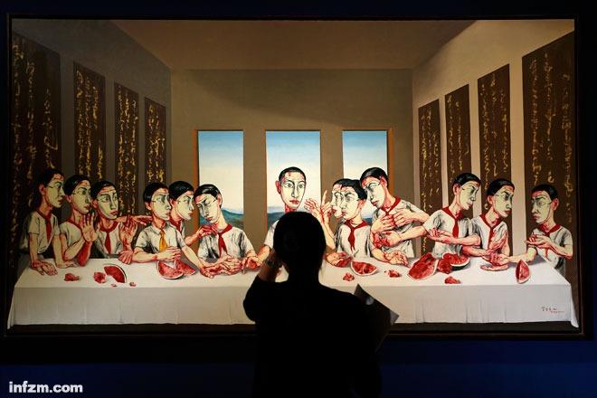 曾梵志《最后的晚餐》以1.8亿港币成交。在隋建国看来,天价并不代表中国当代艺术的回温。 (东方IC/图)