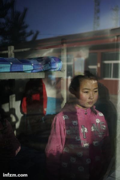 山西吕梁岚县王狮乡敦厚村中心小学是寄宿制小学,学生们周一到周五图片