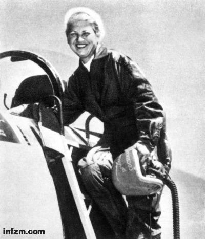 年5月18日,杰奎琳.科克伦(Jacqueline Cochran)是美国最优秀的飞