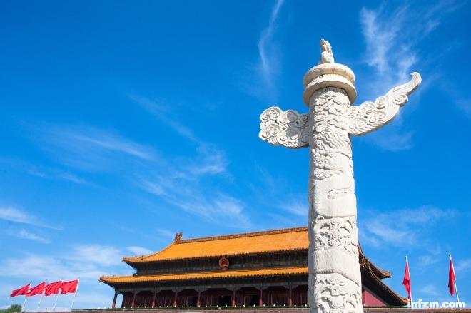 中国梦灯光雕塑