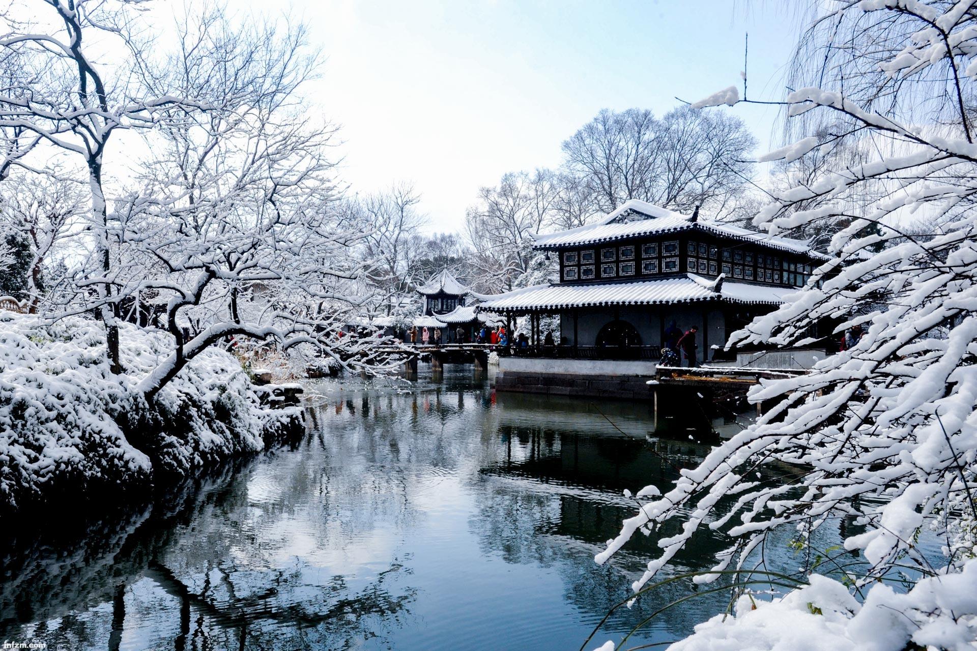 这是2018年1月26日拍摄的苏州古典园林拙政园雪景.