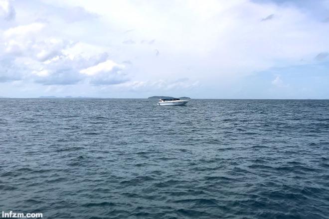 当地时间2018年7月7日下午12时许,泰国普吉岛外的珊瑚岛(ko he)海域