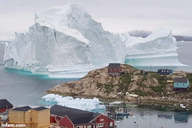 每日壹图:格陵兰岛 断裂冰山 十年之最