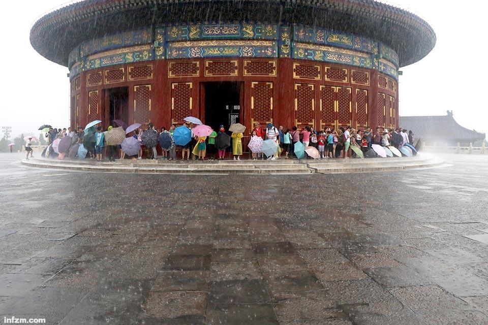 01 北京暴雨来袭