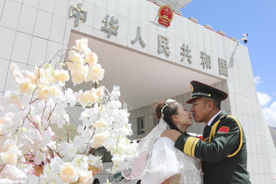 """""""国门""""前的婚礼3"""