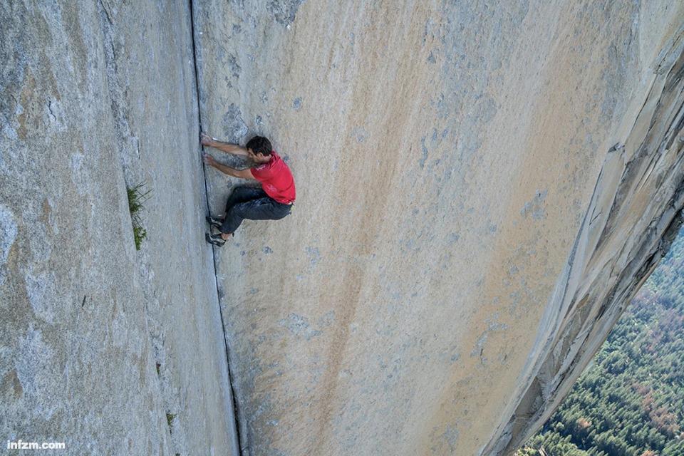 18 奥斯卡最佳纪录片《徒手攀岩》1.jpg