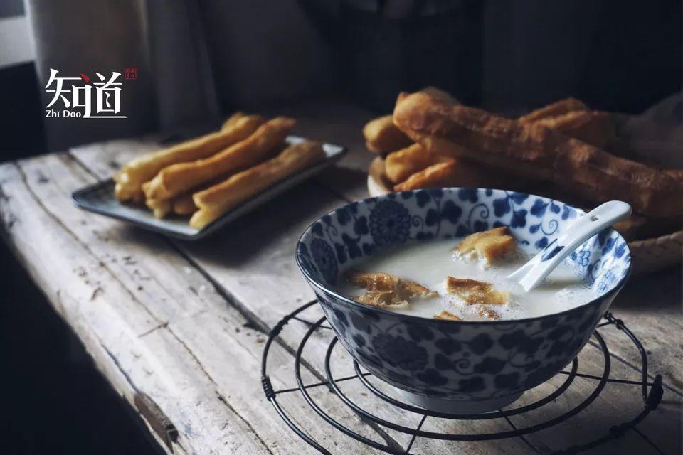 经典早餐组合:油条豆浆。 (IC photo/图)