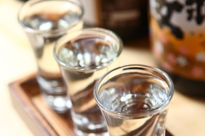 《吃酒去配酒》酒配来配去,最配的还是余暇的光阴。