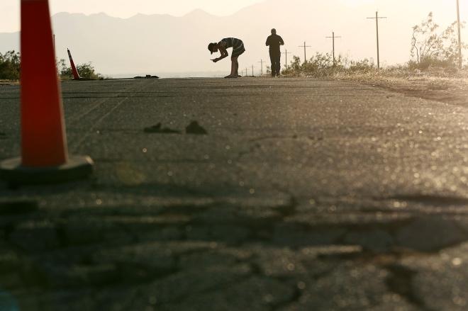 每日壹圖:美國|加州地震導致多處公路開裂
