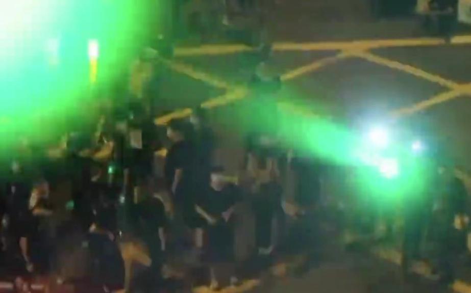 香港示威者以镭射(激光)伤九名警员 涉嫌袭警等罪行