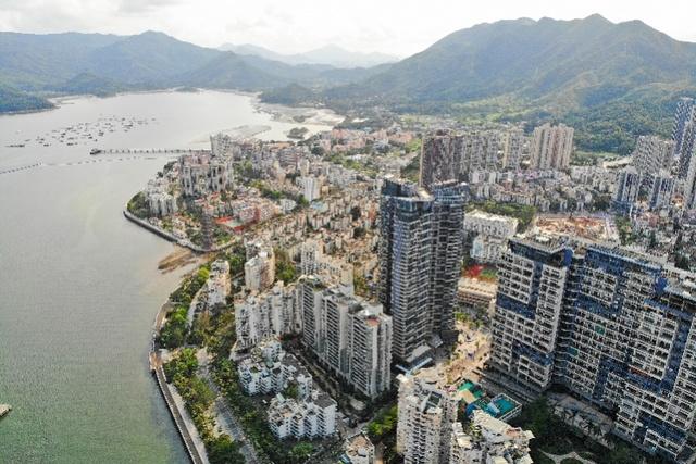 高空望去的深圳市盐田区沙头角片区,这里将建设沙头角深港国际旅游消费合作区。深港合作拥有广阔的前景和空间。南都记者 赵炎雄 摄