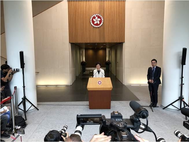 """林郑月娥:对所有暴力行为""""零容忍"""",将追查到底"""