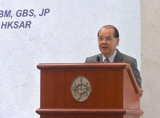 香港政务司司长:港府提出四项行动非对暴力妥协示弱