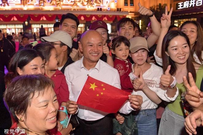 每日壹图:中国|香港警队代表游览北京