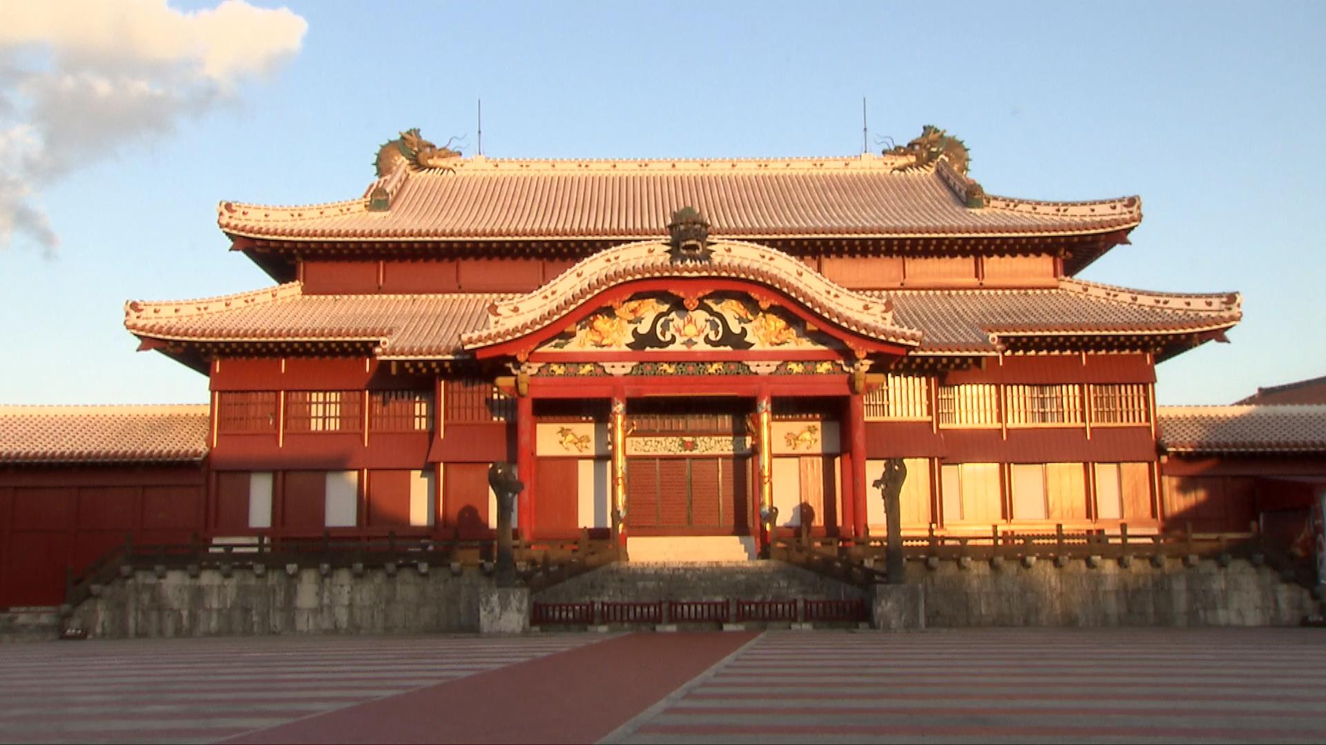 日本冲绳600年首里古城被焚毁,大火前遍及中国元素