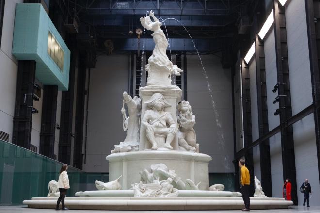 《書人茶話   金陵生小語》現代藝術要挑戰的不是我們的智力而是耐心,而我們所以能付出耐心通常只是為了證實自己也有接受藝術的能力。圖為泰特現代美術館。