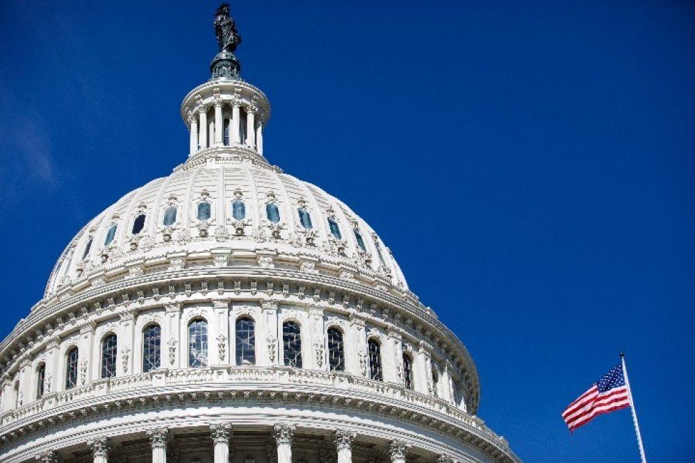 这是9月27日在美国华盛顿拍摄的国会大厦。新华社发(沈霆摄)