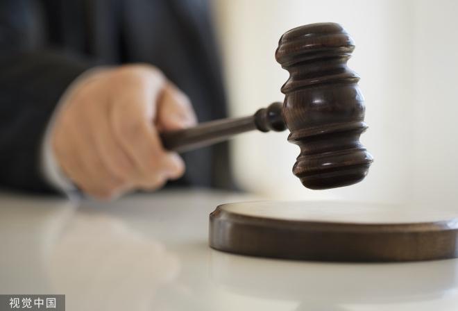 《法学常谈 | 离婚审判的规律》那位法官接着向我解释,受到法院考核机制的影响,法官基本上不会给第一次申请离婚的当事人判离婚。不管一方当事人闹得多厉害,法官往往都无动于衷。