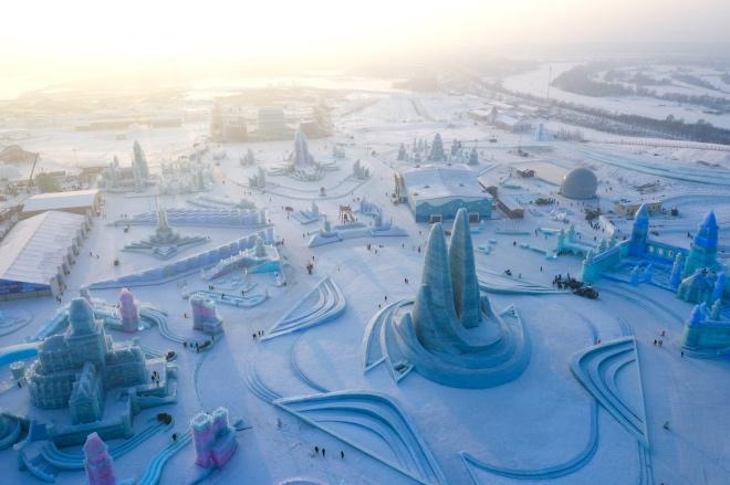每日壹图:中国|冰雪大世界开园 首日游客同比增长29%