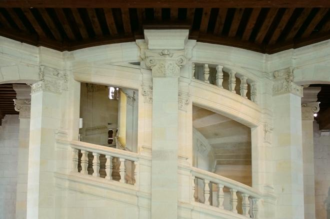 """《大家小说 """"格拉帕""""》(图文无关)意大利有古堡,男女住其中,晨做暮饮,不亦乐乎。"""
