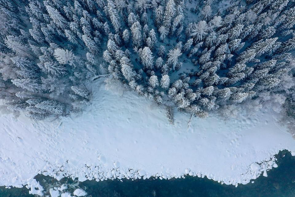 冰雪世界里的喀纳斯