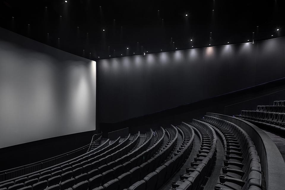 12 疫情冲击下的中国电影业3.jpg