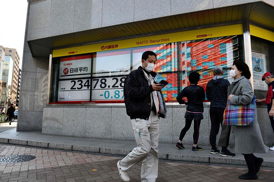 """日本处于新冠病毒感染迅速扩大的""""紧要关头"""""""