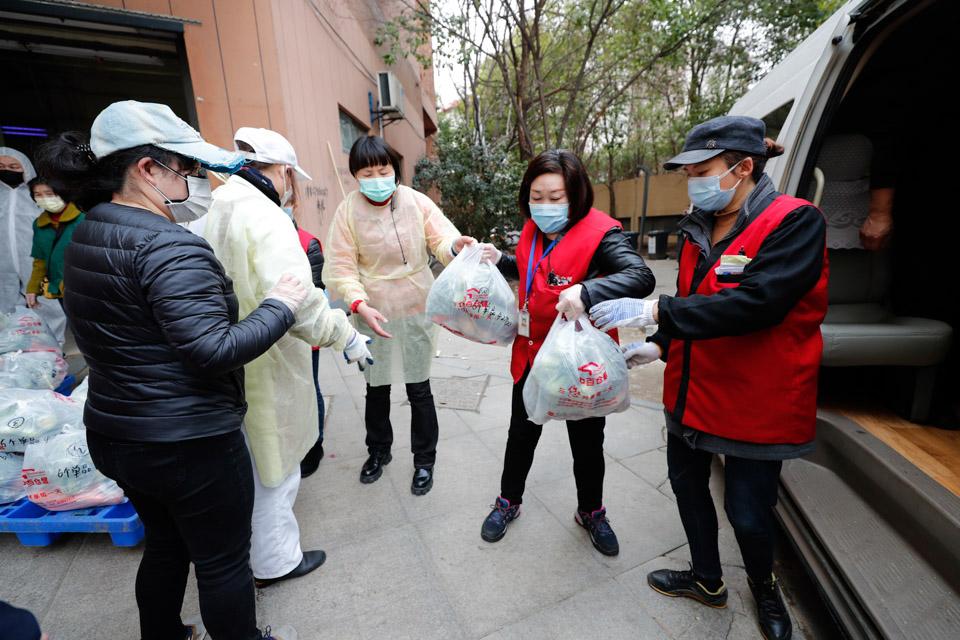 封闭管理下,武汉如何缓解物资短缺难题