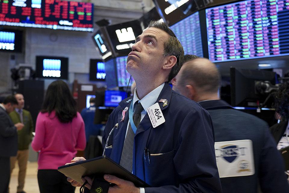 道指狂跌1200点,全球股市大震荡
