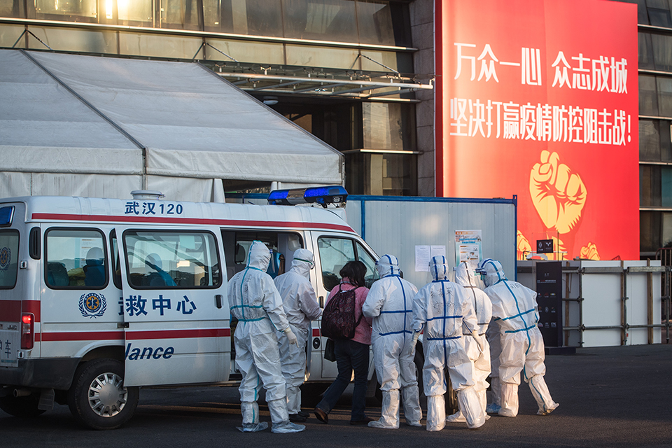 逝者|武汉救助员吴骞:专门护送别人回家的人,再也没能回家
