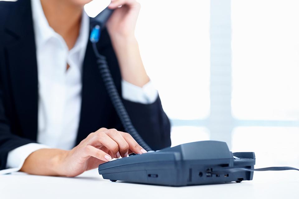 從沒想到我的辦公電話成了熱線,30多天接了850多