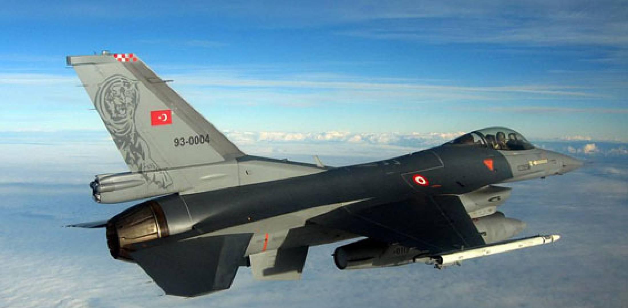 土耳其空军用空中打击在叙利亚立威