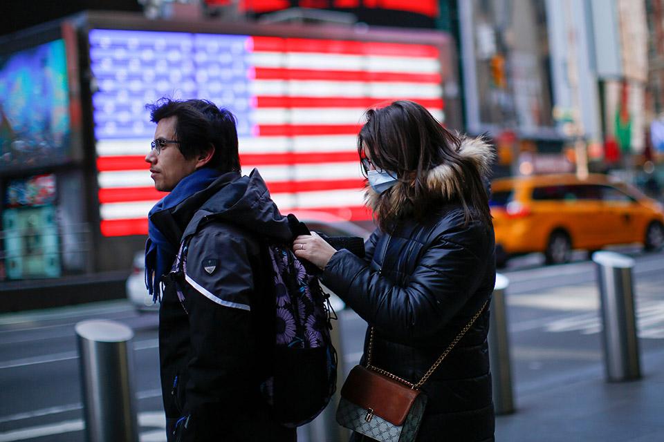 為什么讓美國人戴個口罩這么難?