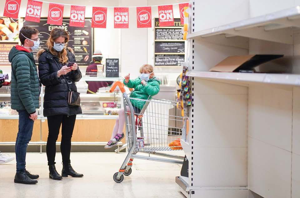 英國倫敦超市出現搶購潮