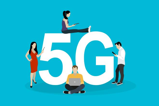 """《""""5G消息"""" 会颠覆微信吗》中国的大众型社交网络会有新玩家吗?这个问题,从巨头到小公司,无数人都尝试过回答,但至今,回望来路,尸横遍野,无人成功。"""